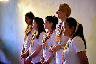 Photo: Khaita Joyful Dances - Khaita radostné tance a písně (Topgyal, Tsering a 6 tanečníků)