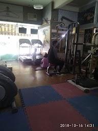 Universal Fitness photo 3