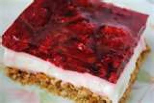 Rasberry Pretzel Salad Recipe