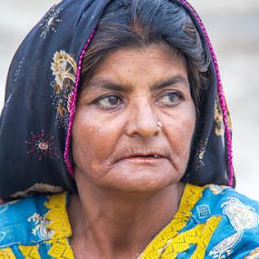 Lady in Mirpur Sakro.  by Hanif Bhatti - People Street & Candids ( pakistan., lady, sindh, mirpur sakro )