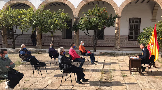 Veteranos militares de Almería muestran su apoyo al Rey