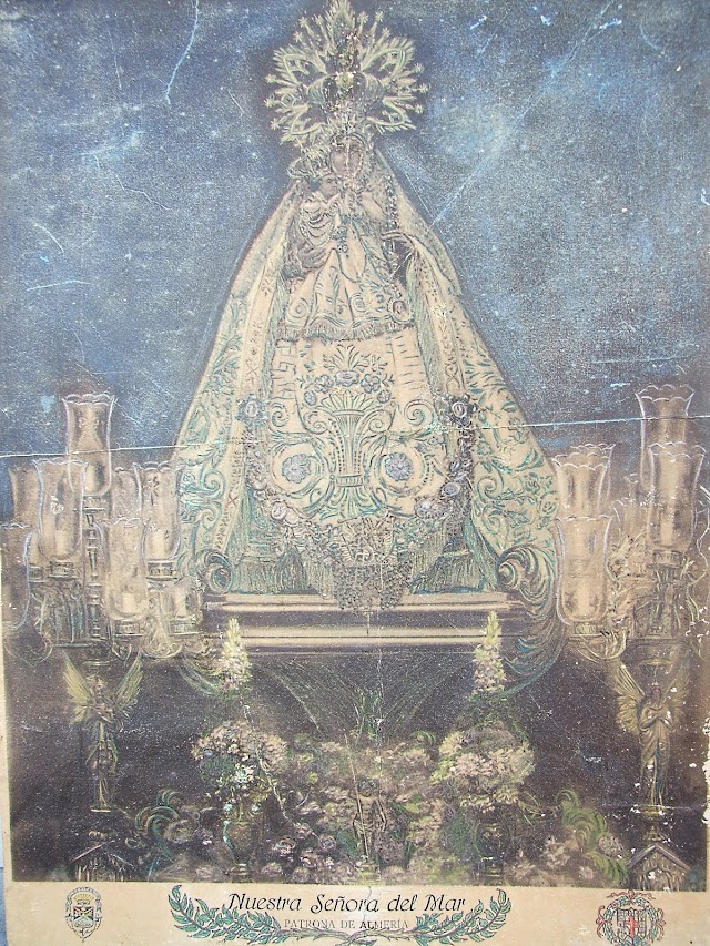 Antigua fotografía coloreada de la Virgen del Mar del año 1886.