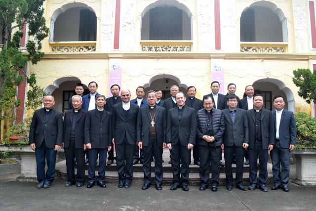 Phái đoàn Bộ Ngoại Giao của Tòa Thánh thăm Giáo phận Phát Diệm - Ảnh minh hoạ 8