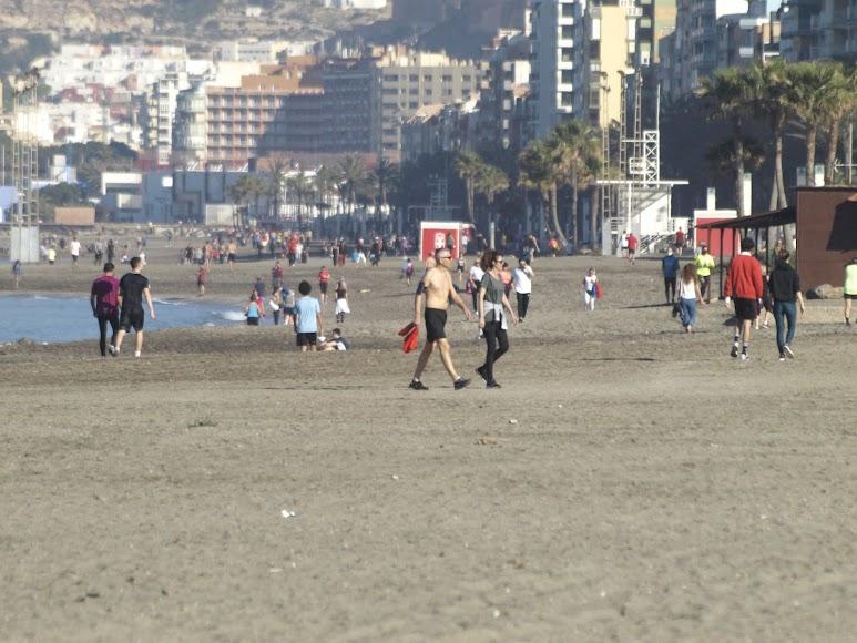 La arena también se llenó de runners.