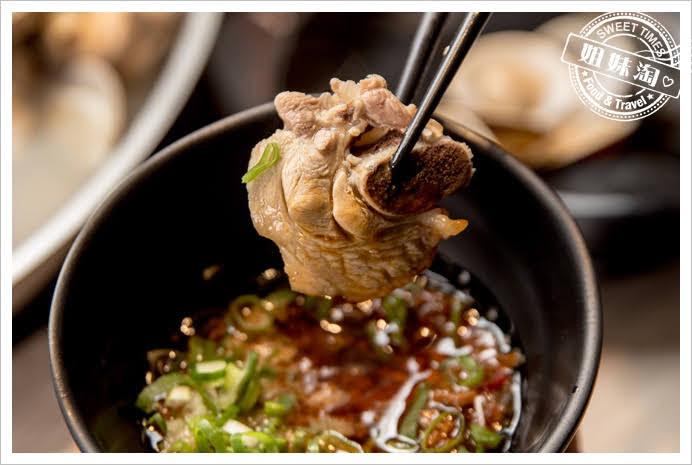 愛食鍋麻辣鴛鴦雞肉