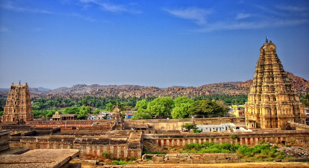top-historical-places-india-the-ruins-of-hampi