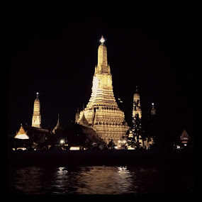 Wat Arun by Reza Bang - Buildings & Architecture Statues & Monuments
