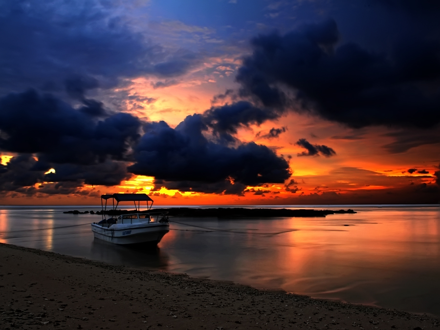 Sunset di Ujung Genteng by Iwan MS - Landscapes Sunsets & Sunrises ( , garyfonglandscapes, holiday photo contest, photocontest, water, device, transportation )