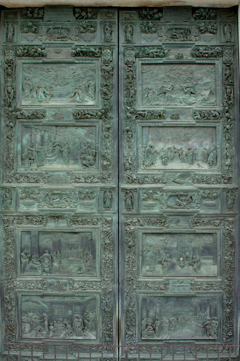 https://upload.wikimedia.org/wikipedia/commons/thumb/9/98/Door_-_Duomo_-_Pisa_2014.jpg/800px-Door_-_Duomo_-_Pisa_2014.jpg