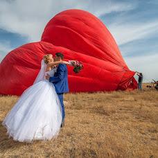 Wedding photographer Vladimir Amangaliev (Pavv). Photo of 19.10.2014