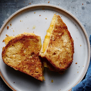 Perfectly Crispy Grilled Cheese Strangewich.