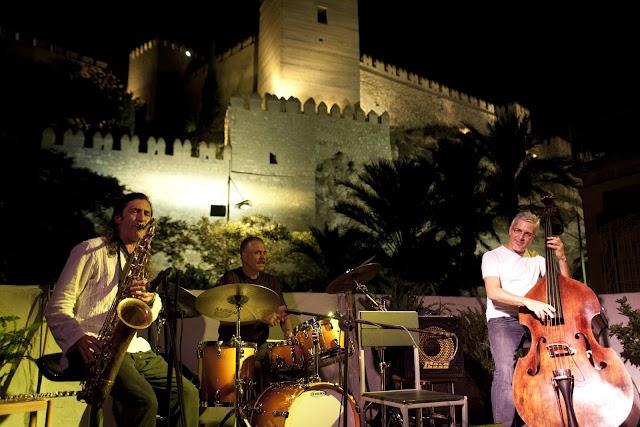 Una de las actuaciones en la terraza de La Guajira.