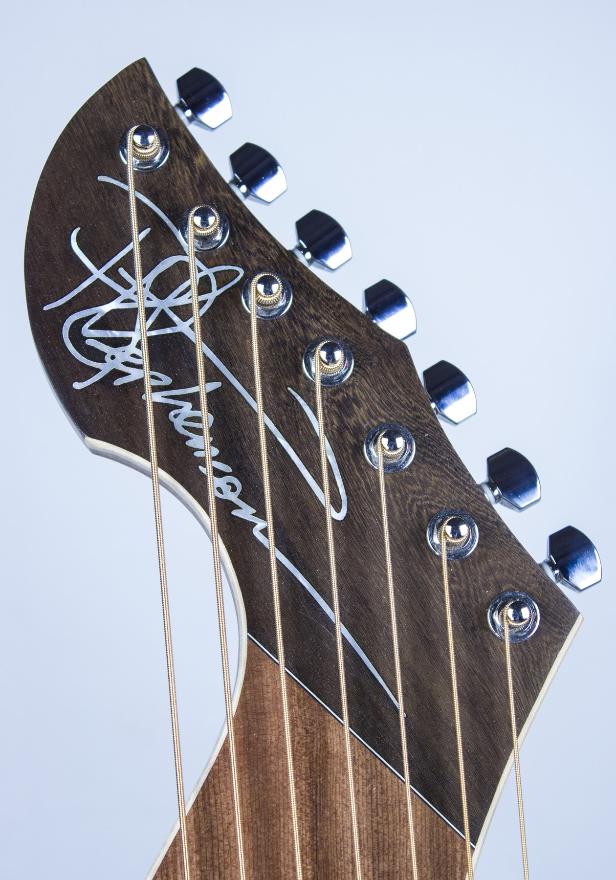 Mother of Pearl signature inlay