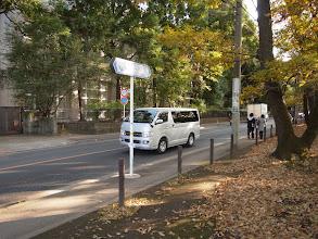 Photo: 小平都市計画道路3・2・8号線に並行して走る府中街道(津田塾大学前)
