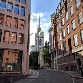 ロンドン中心部の教会廃墟を再生させた庭園「セント・ダンスタン・イン・ザ・イースト」