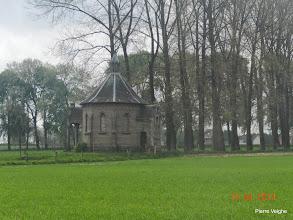 Photo: de kapel van het kasteel de l'Estriverie