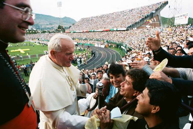 Pope St. John Paul II visits Colombia in 1986. Credit: L'Osservatore Romano