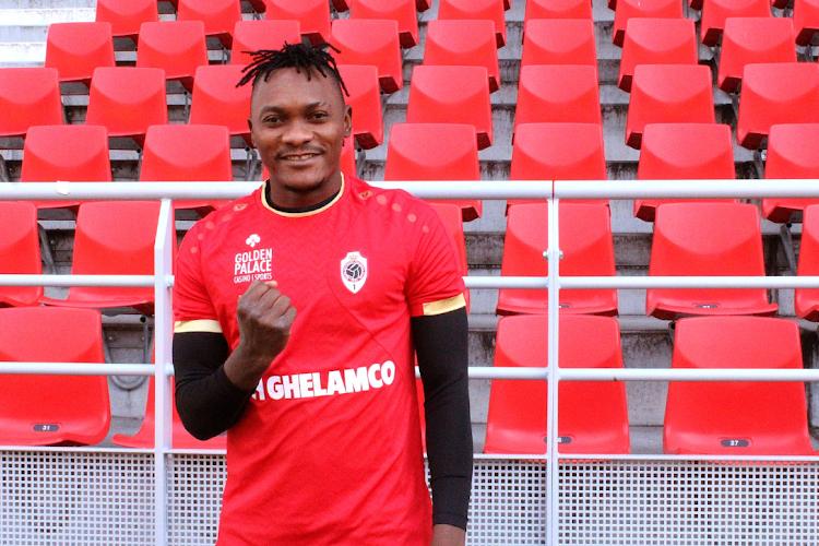 """Ava Dongo: """"Mbokani overtuigde mij om voor Antwerp te kiezen"""""""