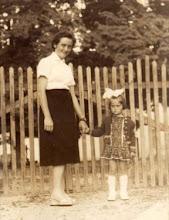 Photo: Nagy Istvánné és Erzsike 1961?