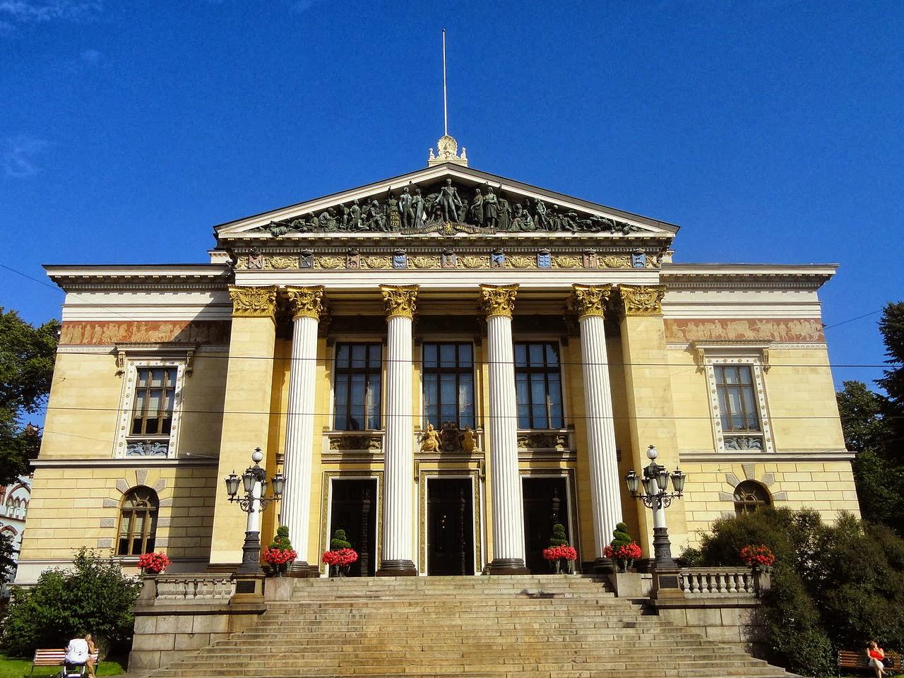 Photo: ヘルシンキ、House of the Estates By Daderot via Wikimedia Commons (CC0 1.0) http://goo.gl/JGjaQu  『テレフォン』 http://inagara.octsky.net/telefon
