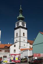 """Photo: Symbolem miasta jest tzw. """"Wieża Miejska"""" przy kościele św. Marcina. Powstała około 1335 r., kiedy Třebíč uzyskał prawa miejskie i do 1716 r. była osobną budowlą, wchodzącą w skład systemu obronnego miasta."""