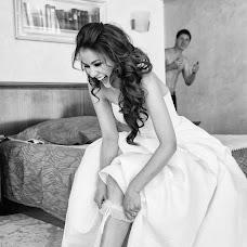 Wedding photographer Denis Savin (nikonuser). Photo of 15.04.2017