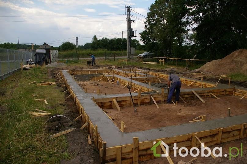 Szalunki usuwa się po stwardnieniu betonu