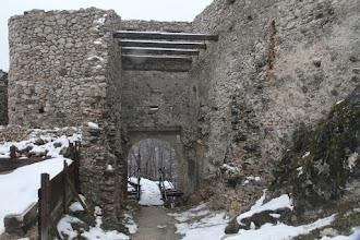 Photo: Vstupná brána hradu. Naozaj tu vidno kus roboty