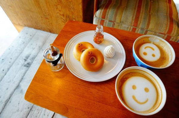 安克黑咖啡 Ancré Café♪淡水河畔吹海風發呆放空的咖啡廳(內附完整menu)