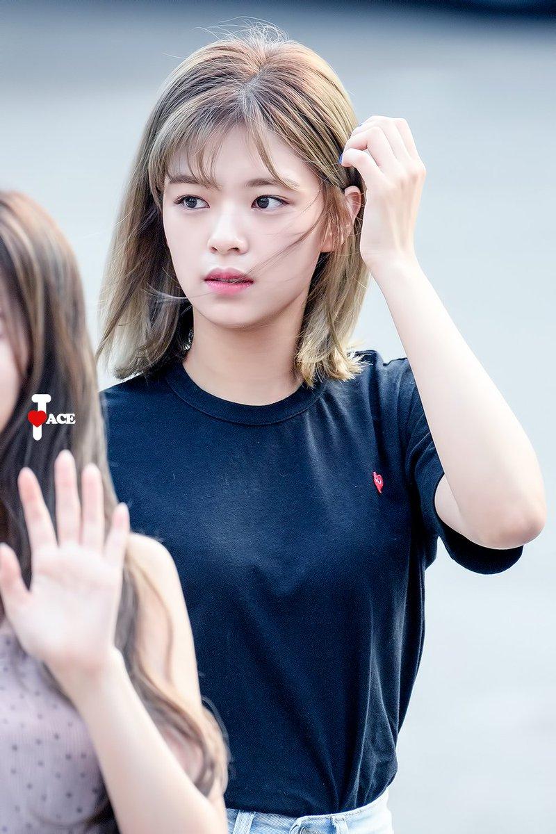 TWICE-Jeongyeon-00