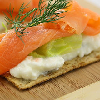 Cottage Cheese & Salmon Crispbread
