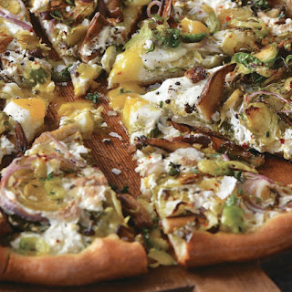 "How To Make The Vegetable Butcher's Shiitake ""Bacon"" Pizza"