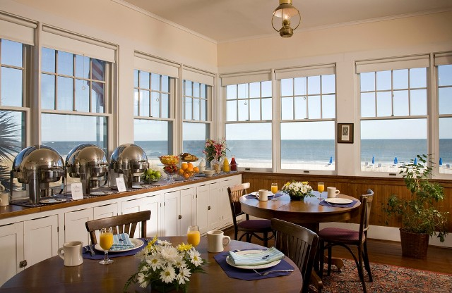 Photo: Oceanfront Dining Room