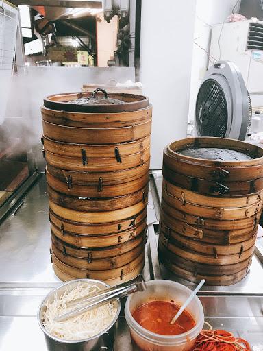 鮮蝦水餃內餡Q彈,餃子皮不厚。