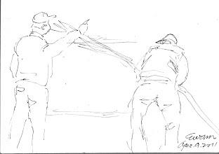 Photo: 消防演練2011.04.09鋼筆 自從台中ALA夜店火災之後,長官指示每逢假日都要做消演練,原來…監獄跟夜店是同等級的呀!