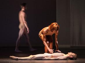 "Photo: WIEN/ Staatsballett: LE PAVILLON D'ARMIDE / LE SACRE von John Neumeier. Premiere 19.2.2017. ""Sacre""  Rebecca Horner. Copyright: Wiener Staatsballett / Ashley Taylor"