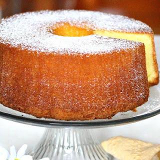 Lemon Lovers Pound Cake.