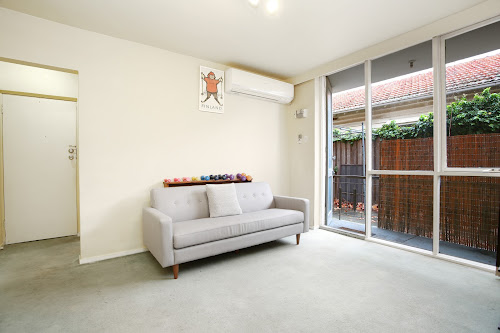 Photo of property at 3/121 Gillies Street, Fairfield 3078