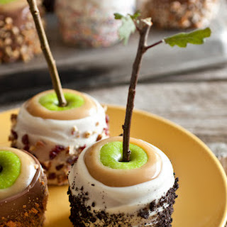 Ultimate Caramel Apples – a Favorite Fall Treat Recipe