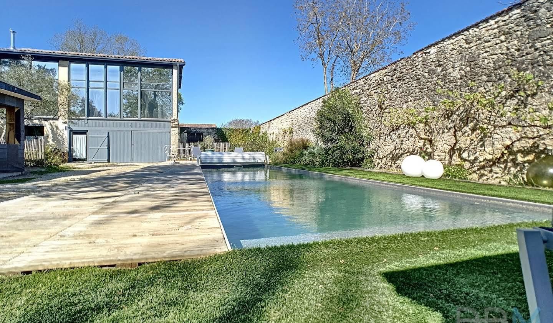 Maison avec piscine et terrasse Lamarque