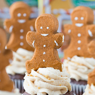 Gingerbread Hot Chocolate Cupcakes