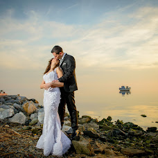 Wedding photographer Dionisi Bezanidi (dionysi). Photo of 09.04.2015