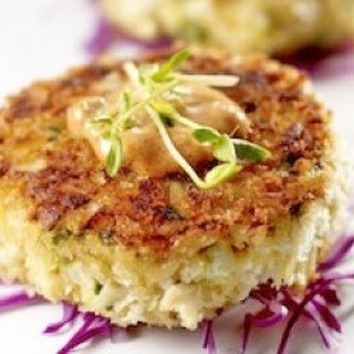 Deviled Louisiana Blue Crab Cakes with Smoky RéMoulade Sauce Recipe
