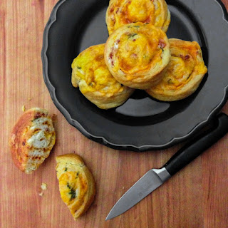 Spicy Bacon Cheddar Pinwheels