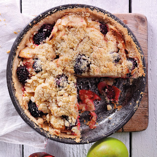 Bramley Apple And Blackberry Crumble