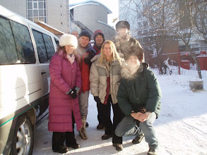 Photo: Feb 7-10, 2007. Jane Purchase and her friends are just before setting off.
