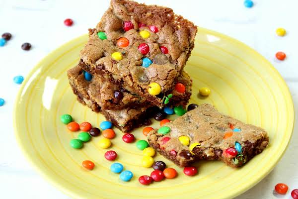 Confetti Topped Chocolate Chip Cookie Cake Recipe