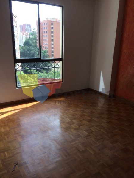 apartamento en venta poblado 679-11323