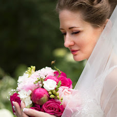 Wedding photographer Alena Loshakova (Alyona). Photo of 28.09.2015