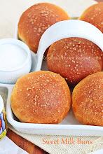 Photo: http://www.roxanashomebaking.com/evaporated-milk-sweet-buns-recipe/